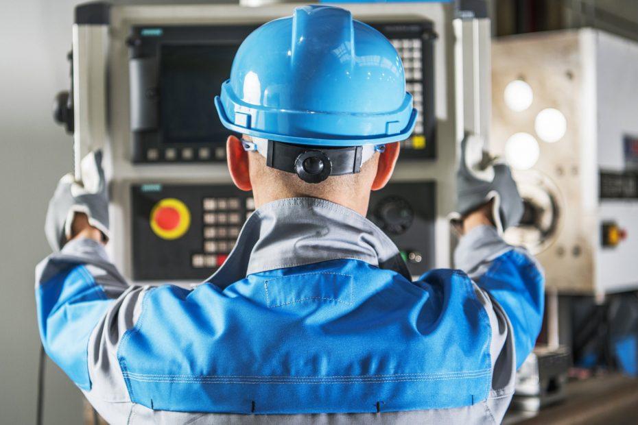O papel do operador de máquina CNC